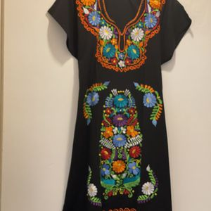 New Traditional Women's Dress Size Large/XL for Sale in Lakewood, CA