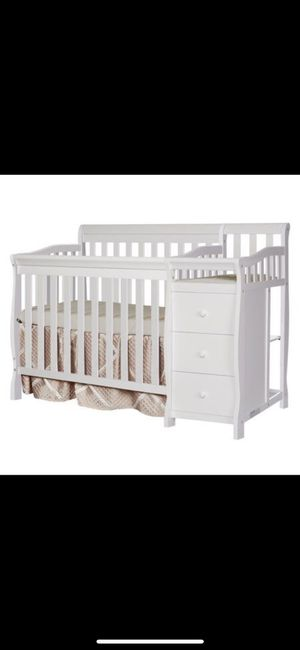 4in1 baby crib cherry wood color for Sale in Brooklyn, NY