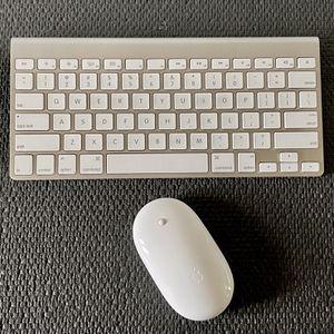 Apple Wireless Keyboard & Mouse for Sale in Carrollton, TX