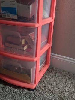 Plastic Drawer (Cheap Move Out Sale) for Sale in Framingham,  MA