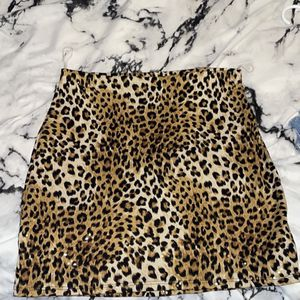 Cheetah Print Skirt Size Small From Windsor for Sale in Clinton Township, MI