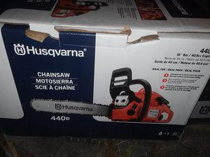 Husqvarna 18inch blade chainsaw 440e for Sale in Fresno, CA