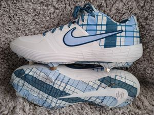 Nike air Huarache elite mid baseball cleats sz 13 shipping only no pickup for Sale in Apalachicola, FL
