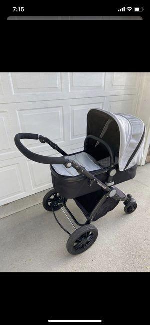 Luxury baby stroller for Sale in Wenatchee, WA