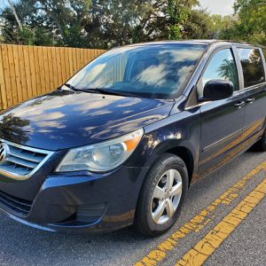 2010 Volkswagen Routan for Sale in Orlando, FL