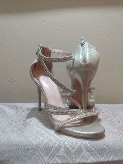 Women's High Heels Size 10 for Sale in Peoria,  IL