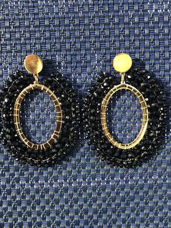 Black and gold earrings made with beads. for Sale in Miami,  FL