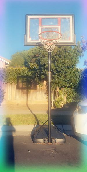 Basketball hoop for Sale in Tracy, CA