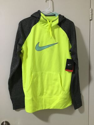 Women's Nike Therma-Fit Sweater (Large) *New* for Sale in Fresno, CA
