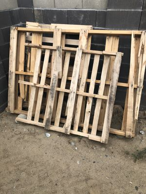 Pallets *** Free *** for Sale in Pasco, WA