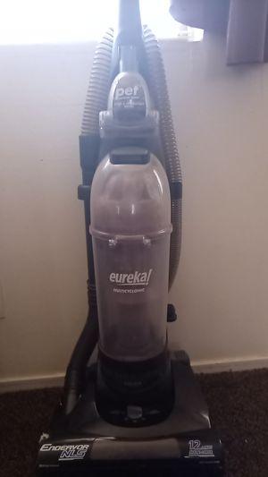 Eureka vacuum for Sale in Fresno, CA