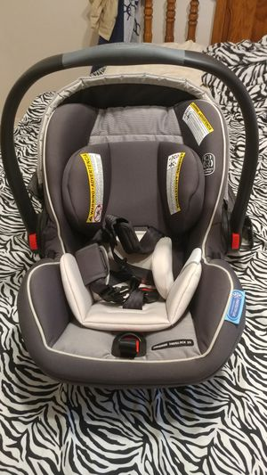 Graco SnugRide Car Seat for Sale in Zephyrhills, FL