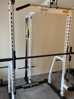 Awsome TuffStuff Smith Machine W/ Cable Machine High/Low Pulley for Sale in Edmonds,  WA