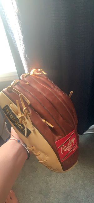Rawlings baseball glove for Sale in Trumbull, CT