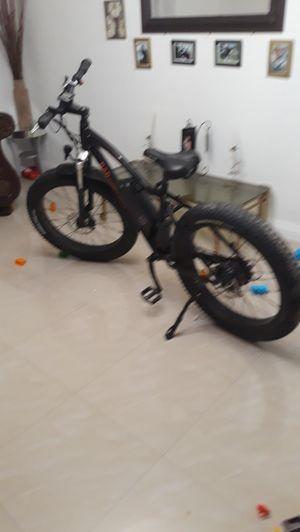 Vendo esta bicicleta de motor for Sale in Los Angeles, CA