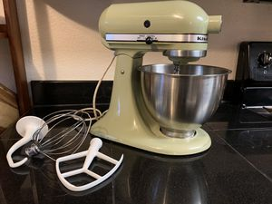 Vintage avocado green kitchen aid for Sale in Gig Harbor, WA