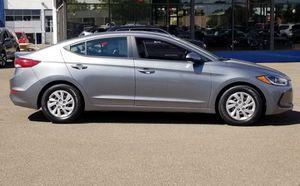 2017 Hyundai Elantra SE like new for Sale in Saint Charles, MD