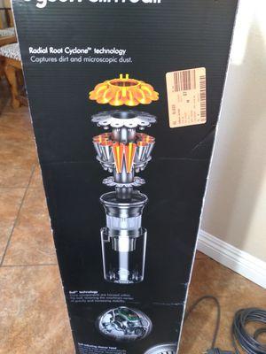 Dyson slim ball vacuum for Sale in Rialto, CA
