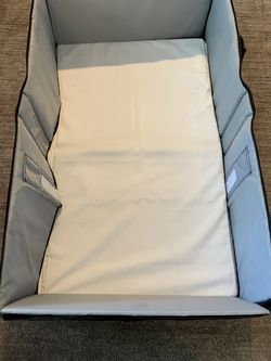 Eddie Bauer Infant Travel Bed - Black for Sale in Issaquah,  WA