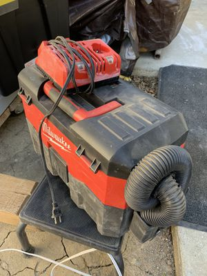 Milwaukee 18v vacuum for Sale in Woodland, CA