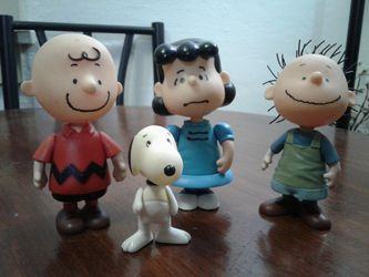 UFS PMI Peanuts: CHARLIE BROWN - LUCY- PIGPEN Figures Toys (2002) for Sale in Everett,  WA