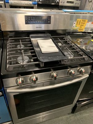"""30"""" NEW SAMSUNG GAS STOVE STAINLESS STEEL WITH ONE YEAR WARRANTY for Sale in Woodbridge, VA"""