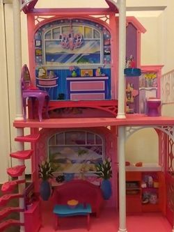 Barbie Doll House $20 for Sale in Dallas,  TX