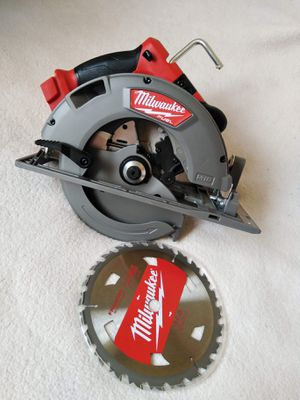"""Milwaukee New 61/2"""" CIRCULAR SAW M18 fuel and Brushless ( No Battery) Nuevo for Sale in Los Angeles, CA"""