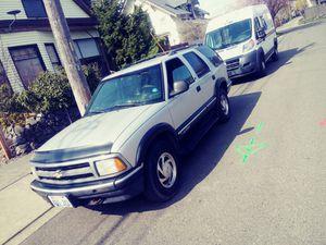 Blazer chevy 1997 grey 4 door runs great for Sale in Tacoma, WA