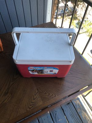 IGLOO SMALL PORTABLE COOLER for Sale in Lakewood, CO
