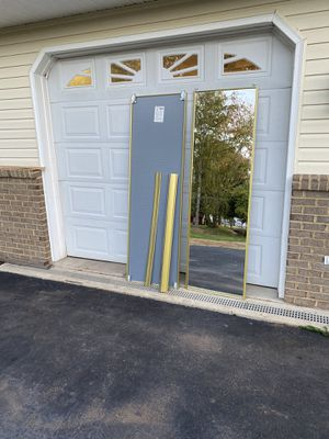 !!Glass mirror sliding door with hardware for Sale in Vint Hill Farms, VA
