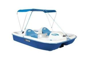 Paddle boat with canopy sits 5 ppl for Sale in Nashville, TN