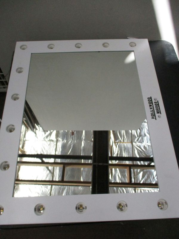 Mirror Lights, UNIFUN Hollywood Style LED Makeup Mirror Lights with 14 Bulbs