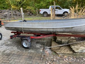 Aluminum boat with trailer for Sale in Wayne, IL