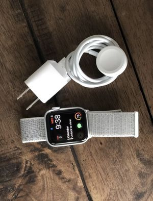 Apple Watch Series 4!!! BRAND NEWW for Sale in Sacramento, CA