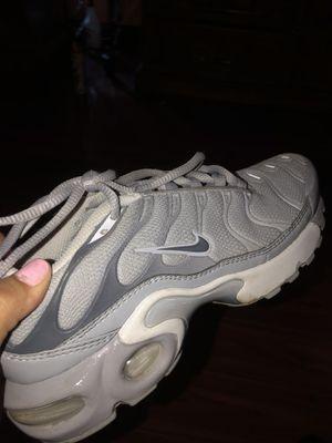 Grey Nike Tn's size 4 for Sale in Dallas, TX