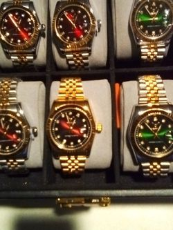 Two For 88 Clear Crystals Glow At Night Luminous Classic No Tarnish Water Resistant for Sale in West Palm Beach,  FL