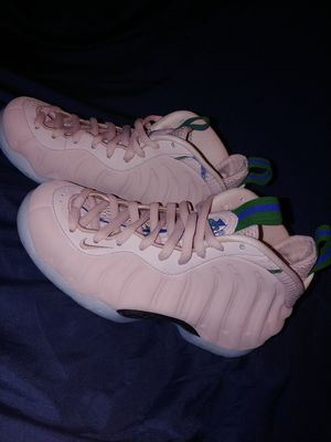 Nike Air Foamposite One Particle Beige for Sale in Richland, WA