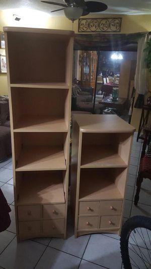 2 Bookshelves for Sale in Hialeah, FL