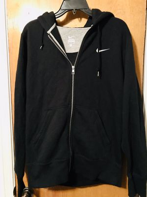 Nike women's new 3 piece activewear with tags for Sale in Arlington, TX