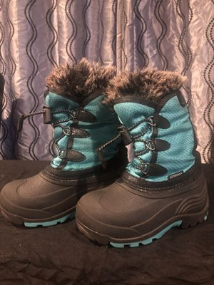 Kids size 11 Kamik snow boots for Sale in North Chicago, IL