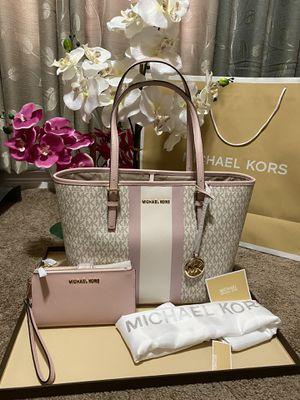Michael Kors handbag tote bag purse with matching wallet new set for Sale in San Antonio, TX