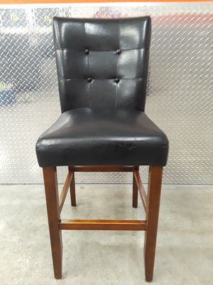1 Black Leather Bar Stool Chair - DELIVERY POSSIBLE for Sale in Austin, TX