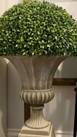 3 Feet Tall Boxwood Topiary With Urn Planter for Sale in Bakersfield,  CA