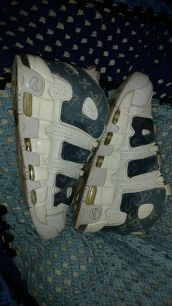 Louis Vuitton 97 acotty pippen uptempo size 10 for Sale in Lynnwood,  WA