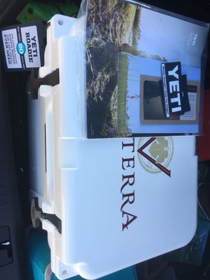 Yeti Roadie 20 Cooler for Sale in Richmond, VA