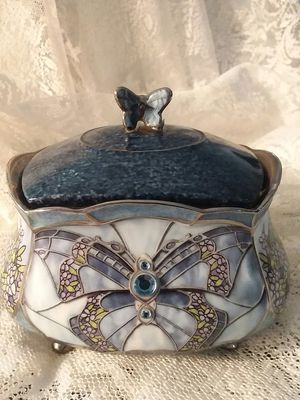 Beauty Takes Wing-Radiant Wing Collection Music Box for Sale in Gilmer, TX