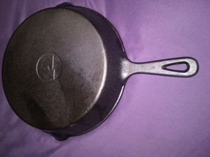 Vintage cast iron skillet nice for Sale in Dayton, OH