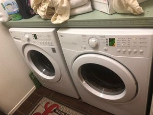 LG front load washer and dryer for Sale in Maricopa, AZ