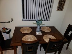Kitchen dining table and chairs for Sale in Santa Cruz, CA